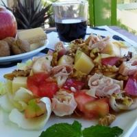 Ensalada francesa de endivias, manzana y nueces