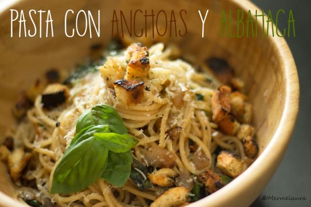 Pasta con anchoas y albahaca